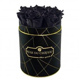 Czarne Wieczne Róże w Czarnym Małym Industrialnym Boxie