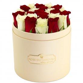 Édition Spéciale Brzoskwiniowy Box z Białymi & Czerwonymi Różami Żywymi