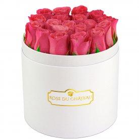 Różowe Róże Żywe w Białym Okrągłym Boxie