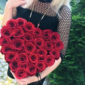 Czerwone Wieczne Róże w Dużym Boxie Heart