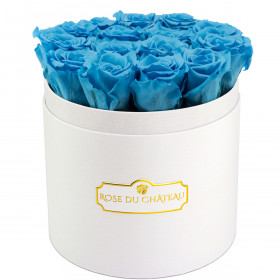 Błękitne Wieczne Róże w Białym Okrągłym Boxie