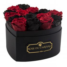Schwarze und rote Ewige Rosen in schwarzer Herzbox
