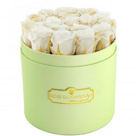 Weiße Ewige Rosen in mintgrüner Rosenbox