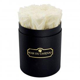 Roses Éternelles Blanches Dans une Petite Flowerbox Noire