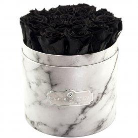 Černé věčné růže v bílém mramorovém flowerboxu