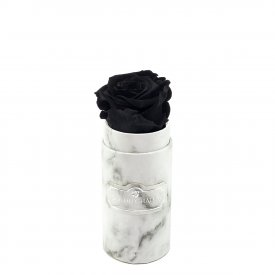 Černá věčná růže v mini bílém mramorovém flowerboxu