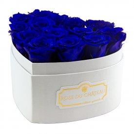 Tmavě modré věčné růže v bílém boxu heart