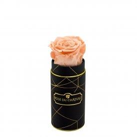 Čajová věčná růže v černém industrial mini flowerboxu