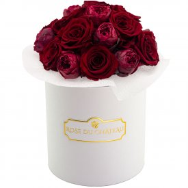 Red Romance bouquet v bílém flowerboxu
