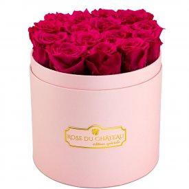 Růžové věčné růže v růžovém flowerboxu