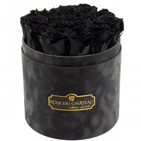 Černé věčné růže v šedém semišovém flowerboxu