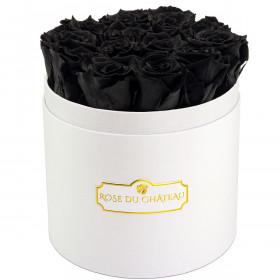 Černé věčné růže v bílém kulatém flowerboxu