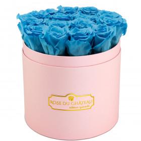 Azurblaue Ewige Rosen in rosafarbener Rosenbox