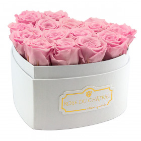 Zartrosafarbene Ewige Rosen in weißer Herz Box