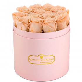 Teefarbene Ewige Rosen in rosafarbener Rosenbox